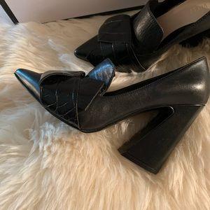 Beautiful Leather Nine West shoes, size 6